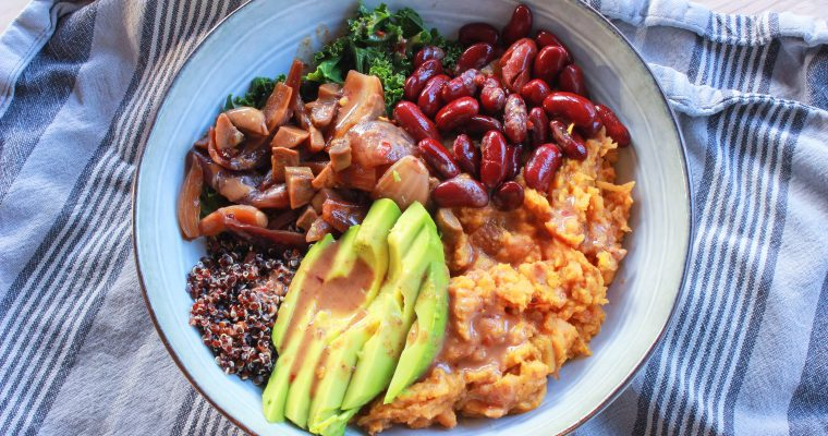 Buddha Bowl with Quinoa, Sweet Potato & Spicy Almond Vinegar Dressing